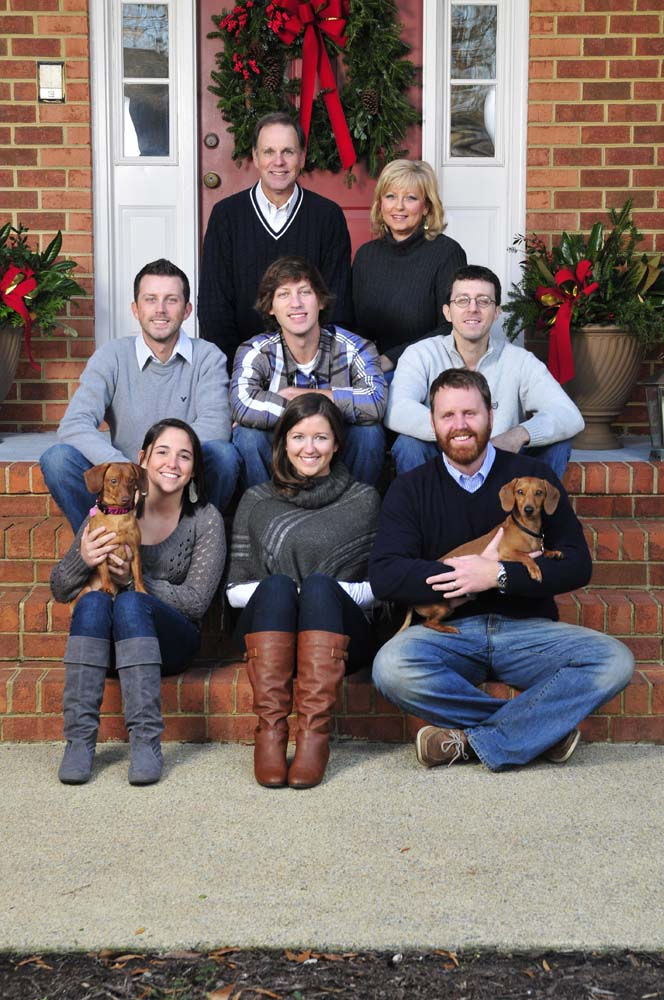 Family portraits in the back yard in Chesapeake Virginia with a Chesapeake Photographer