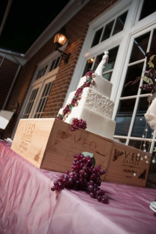 wedding Cake at the Signature in Virginia Beach