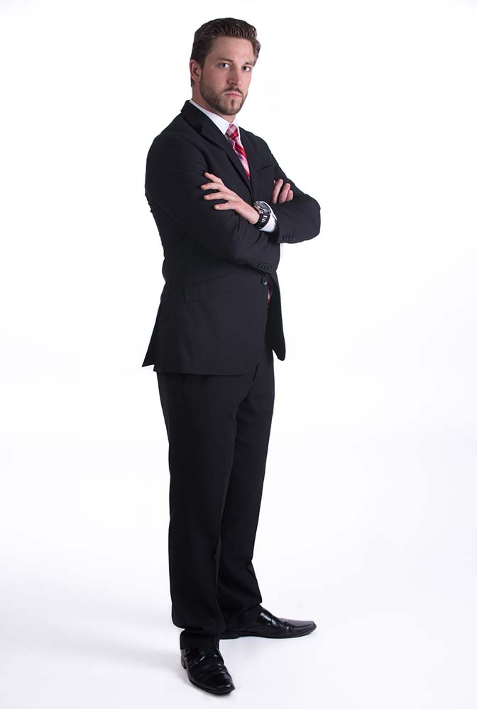 powerful full length pose of a lawyer in Virginia Beach