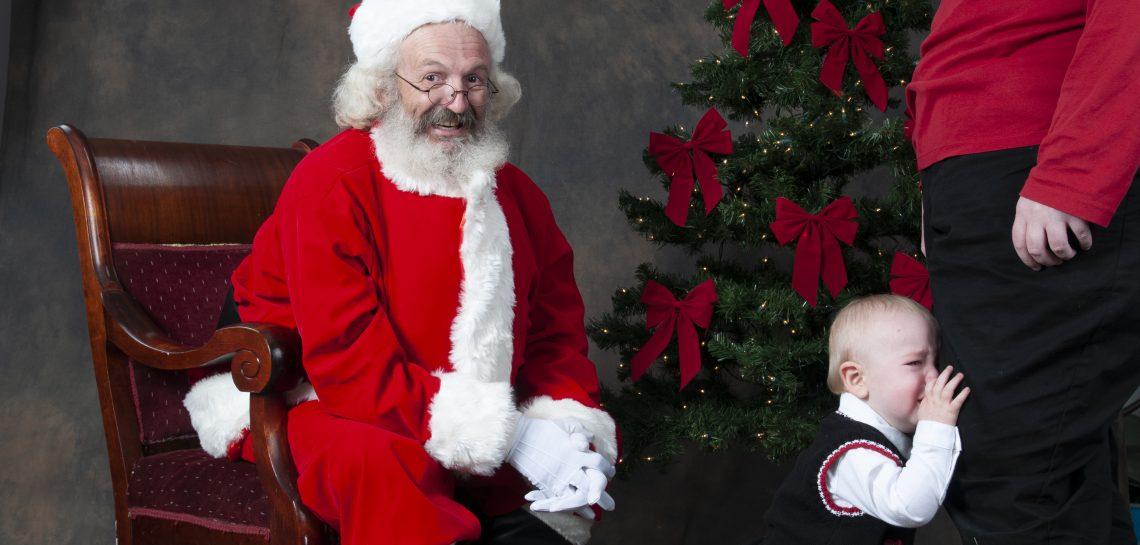 Virginia Beach Santa with crying child